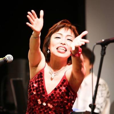 Nora Susuki, vocalista de la Orquesta de la Luz