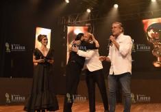 Premio a la Excelencia ELVIS CRESPO de manos del Gobernador del Atlántico Dr Eduardo Verano de la Rosa y Ley Martin (Fundador Premios Luna)